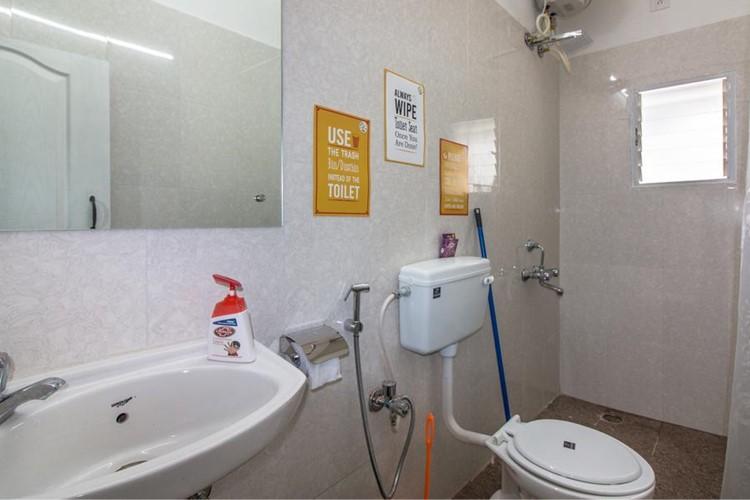 4 Bed AC Mixed Dorm Bathroom Ensuite