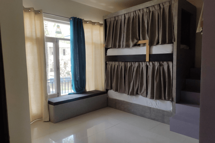 4 Bed Female Dorm With Balcony And Bathroom