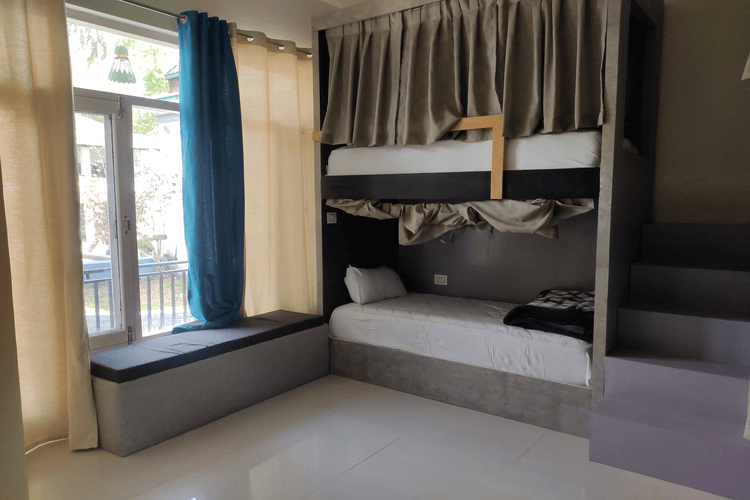 4 Bed Mixed Dorm With Bathroom