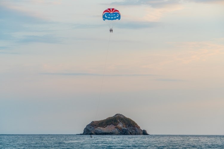 Parasailing in Goa with Scuba Diving