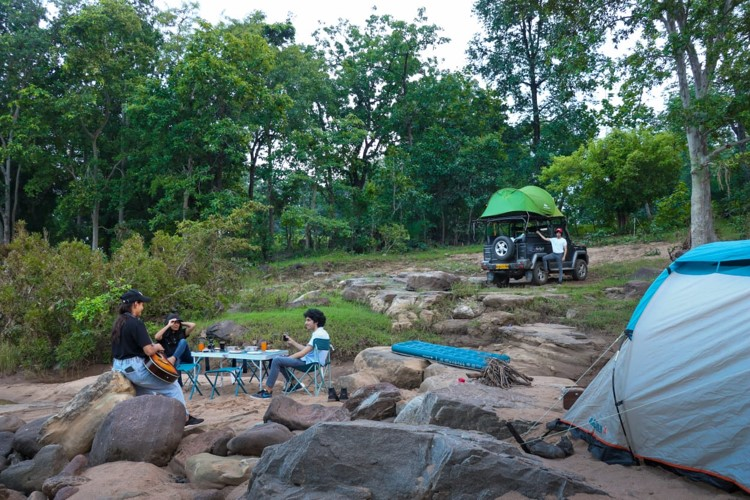 Camping in Pachmarhi